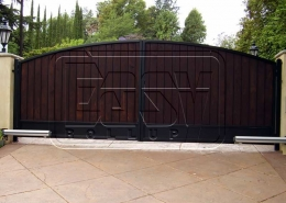 Arm garage door with one or two operable panels
