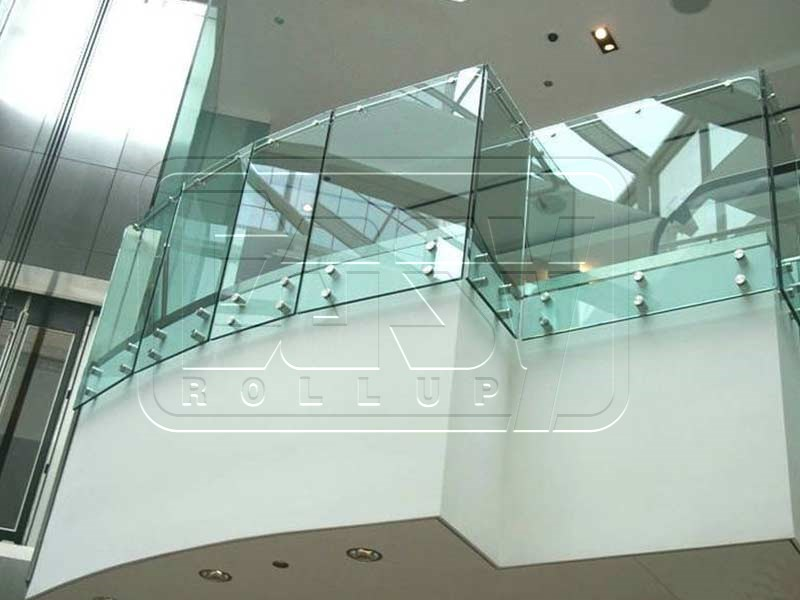 SPIDER FIN GLASS FACADE