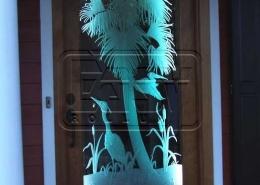پروژه های طراحی روی درب شیشه ای